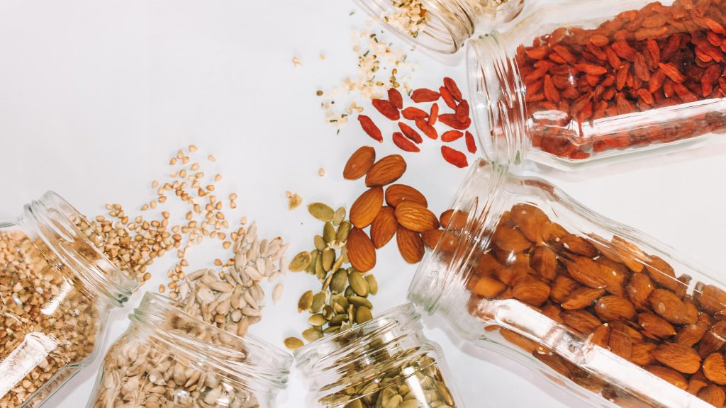 Healthy snacks: Seeds and nuts